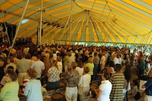 The crowd in the tent